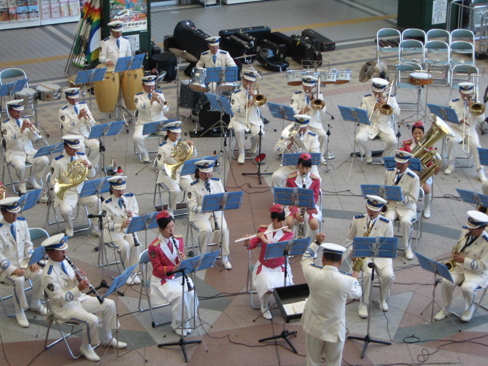 県警プロムナードコンサート